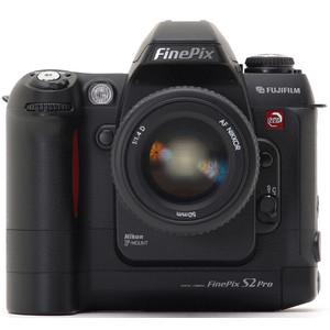 Fujifilm FinePix S2 Pro front