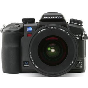 Konica Minolta Maxxum 7D front