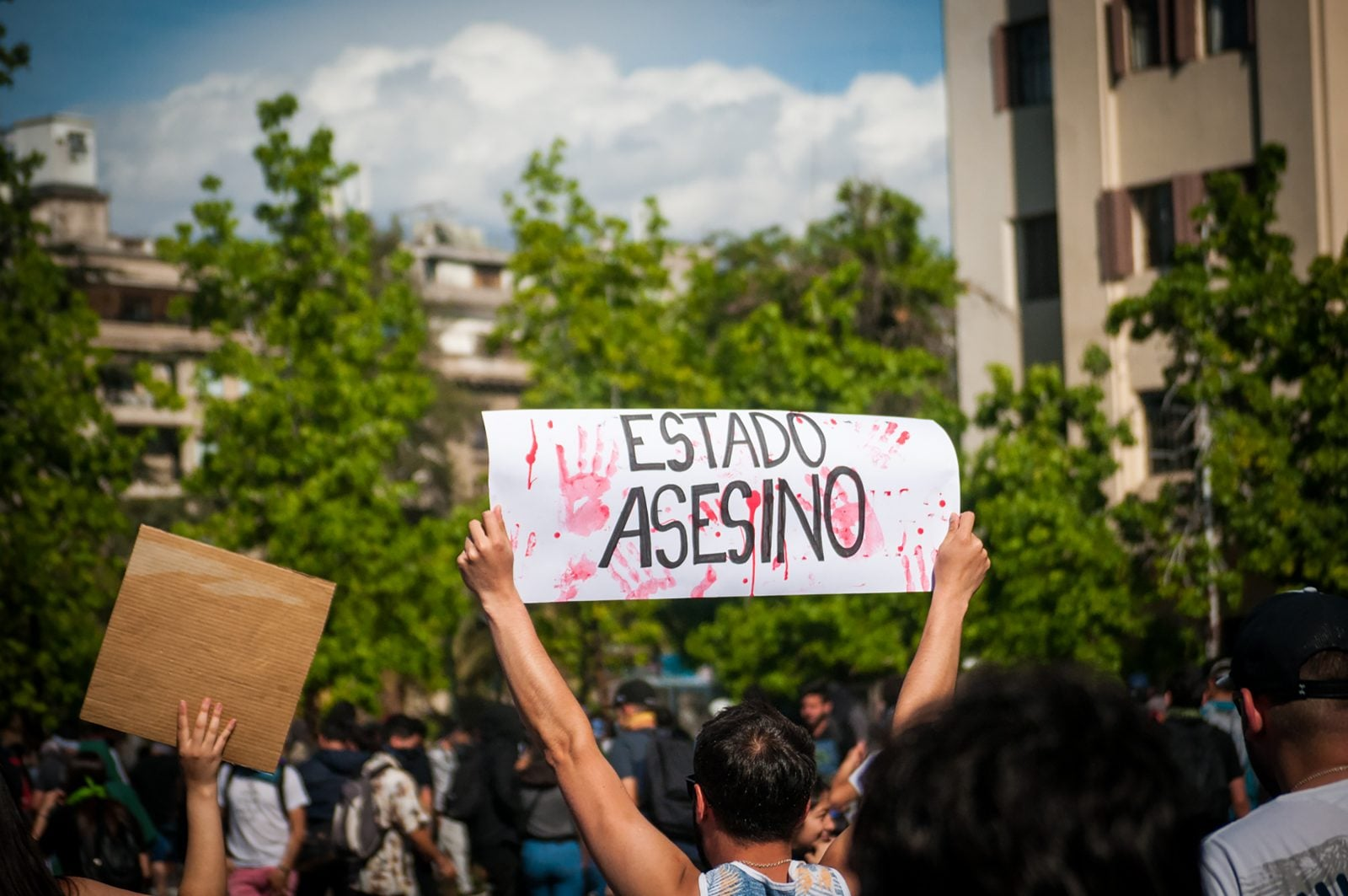 Chilean photojournalist found dead amidst the protests